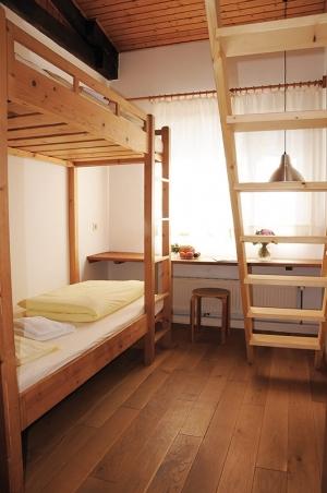 ZIST Unterkunft Doppelstockbett im Altbau