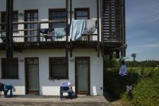 ZIST_Balkone mit bunter Wäsche